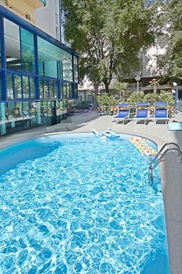 Offerte family riccione speciale pasqua hotel con centro - Hotel riccione con piscina coperta ...