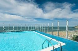 hotel con piscina gabicce