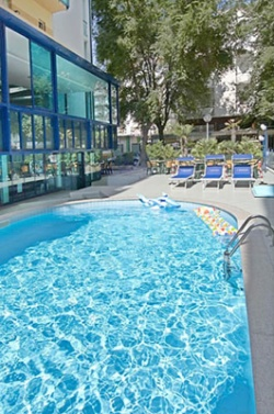 hotel con piscina cattolica