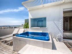 Toccare il cielo con un dito � possibile nelle nostre Sky Room!! Design accattivante, vista mozzafiato. Sky Room Deluxe con vasca Hydro privata sul terrazzo!