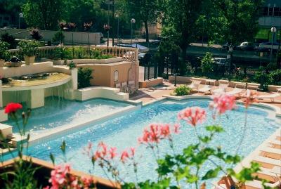 Offerta Happy Summer Agosto a Riccione in hotel tre stelle